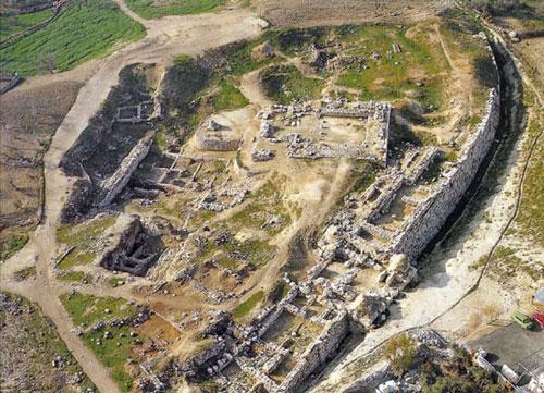 La ruina del templo en Gerizín